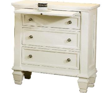 Large 3-Drawer Nightstand w/ Pull-Out Tray in White Finish