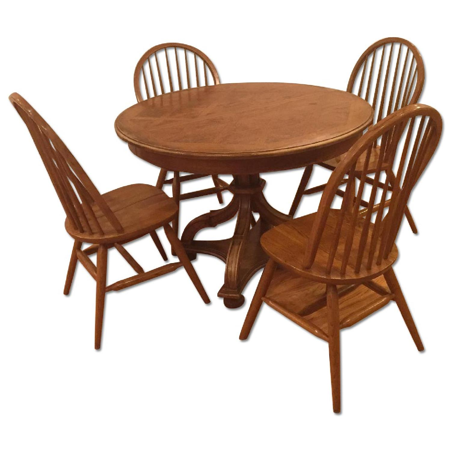 Dining Table w/ 4 Chairs - image-0
