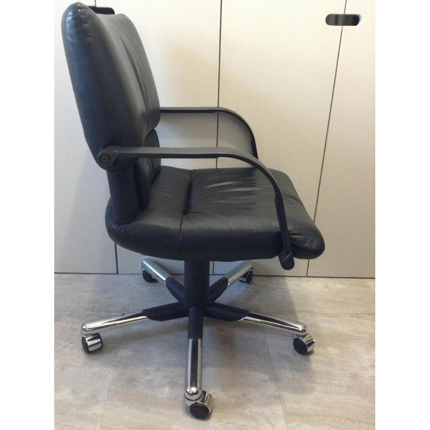 Vitra Black Leather Swivel Chair By Mario Bellini - image-2