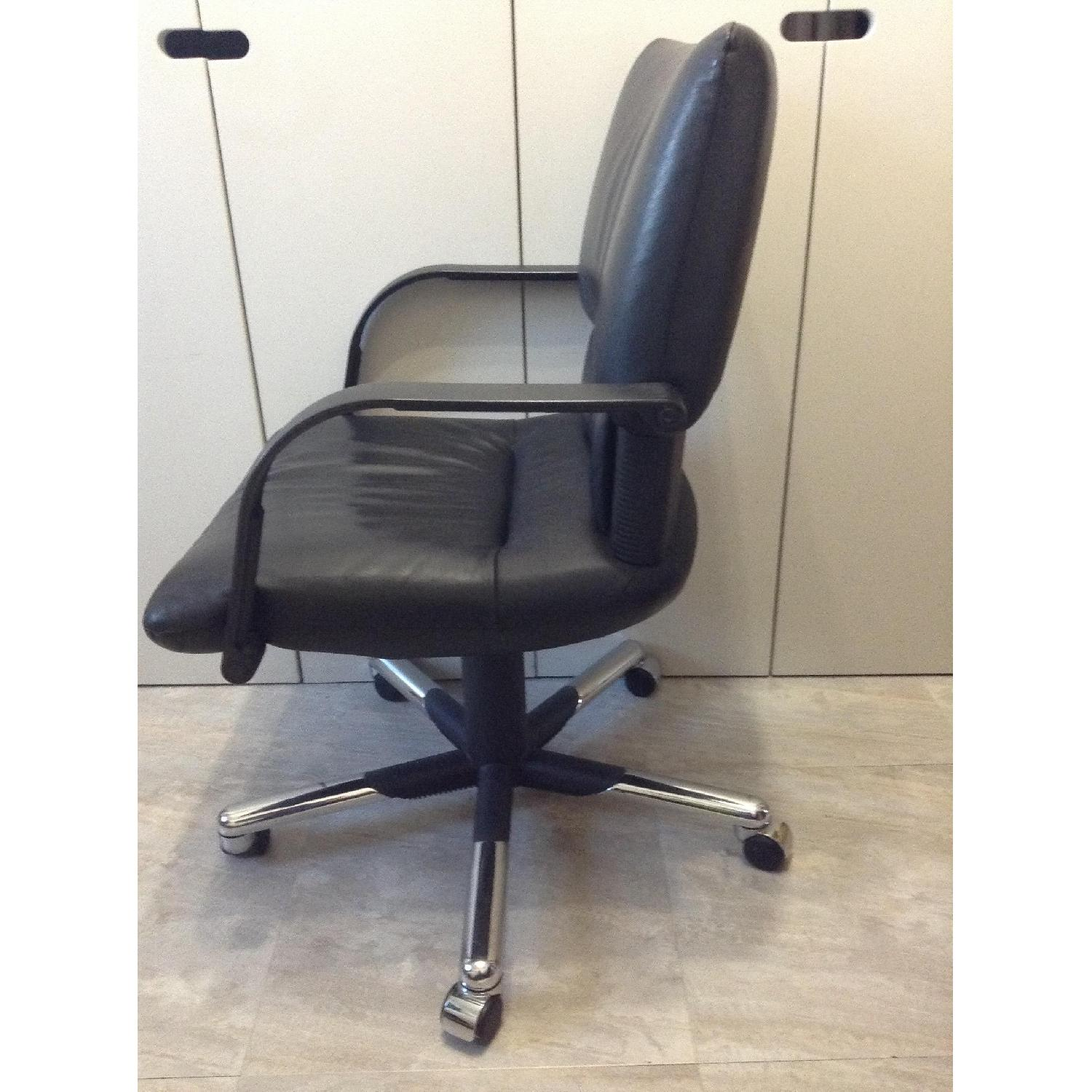 Vitra Black Leather Swivel Chair By Mario Bellini - image-3