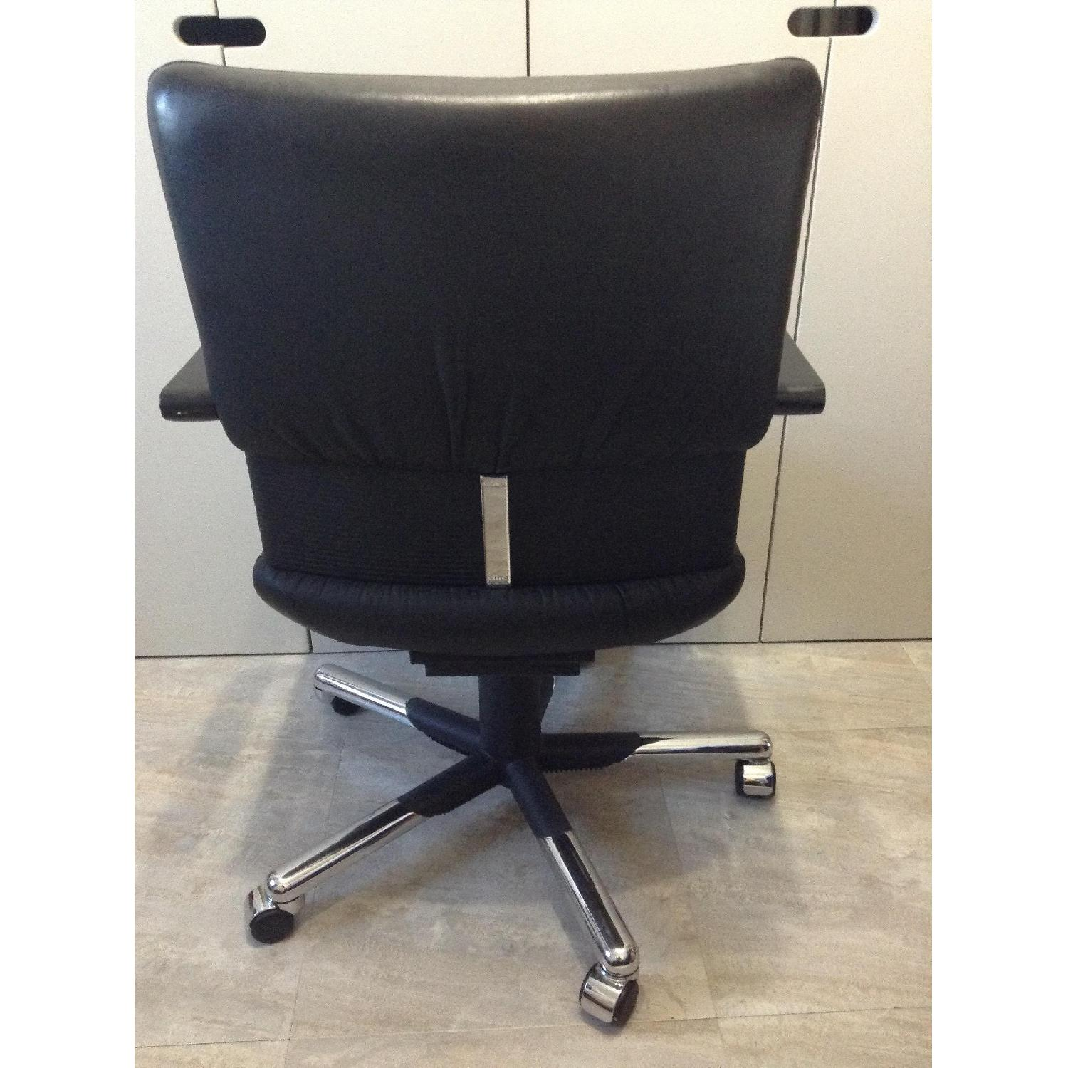 Vitra Black Leather Swivel Chair By Mario Bellini - image-4