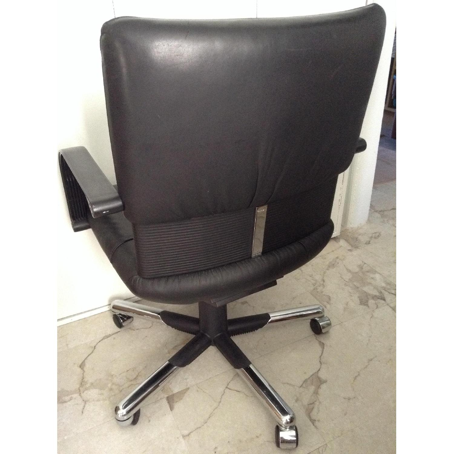 Vitra Black Leather Swivel Chair By Mario Bellini - image-11