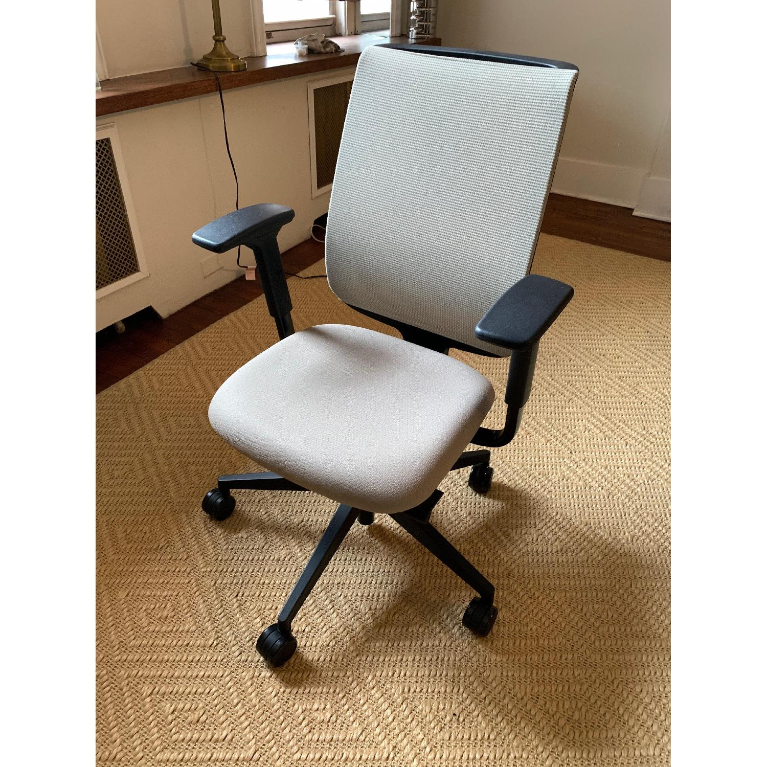 Steelcase Reply Chair-1