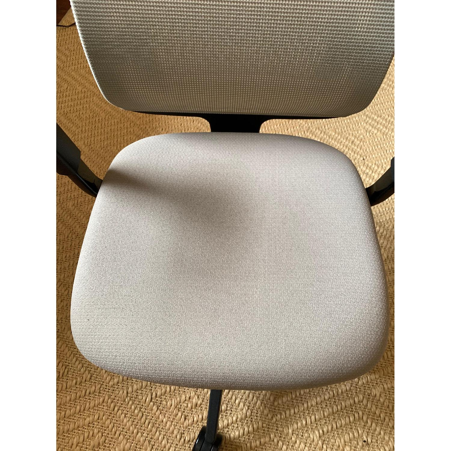 Steelcase Reply Chair-3