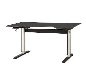 Motorized Desk For Standing/Seated Use ww/ Built-In Power Plugs