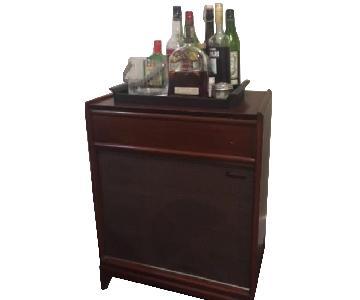 Vintage Mid Century TV Stand/Bar Cart