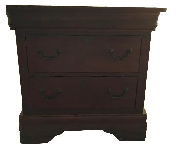 Broyhill 2-Drawer Nightstands