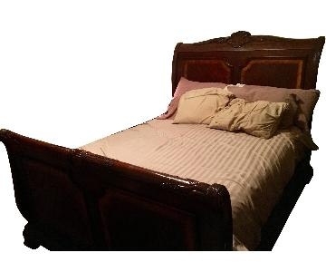 Mathis Brothers Queen Bed w/ Headboard & Footboard