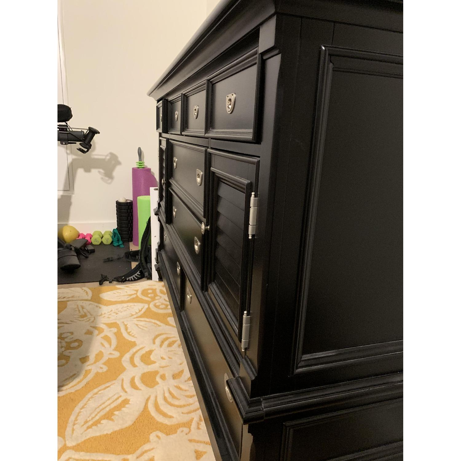 Rooms To Go Belmar Black Dresser-2