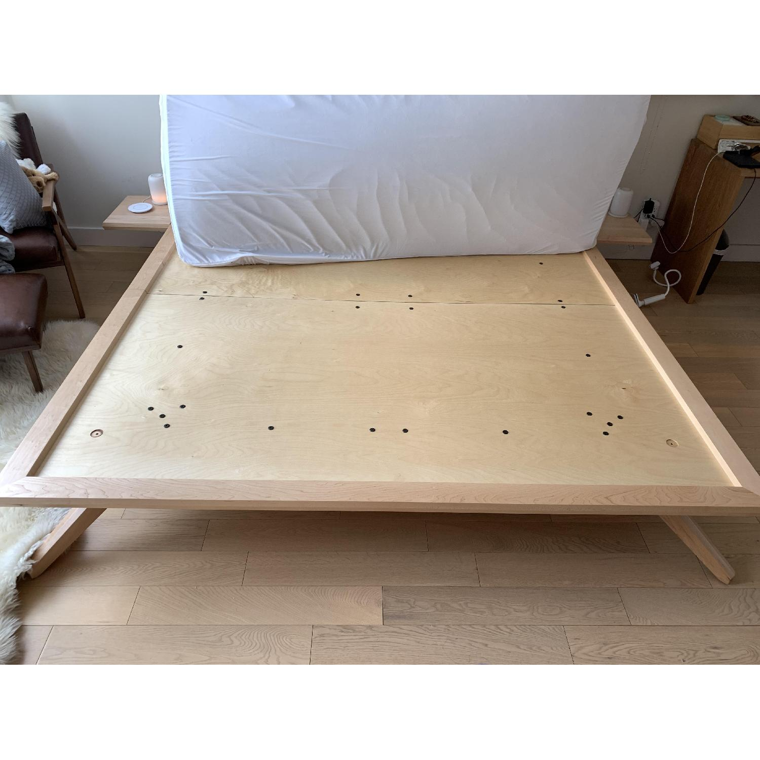 Copeland Natural Maple Astrid Collection King Platform Bed-1