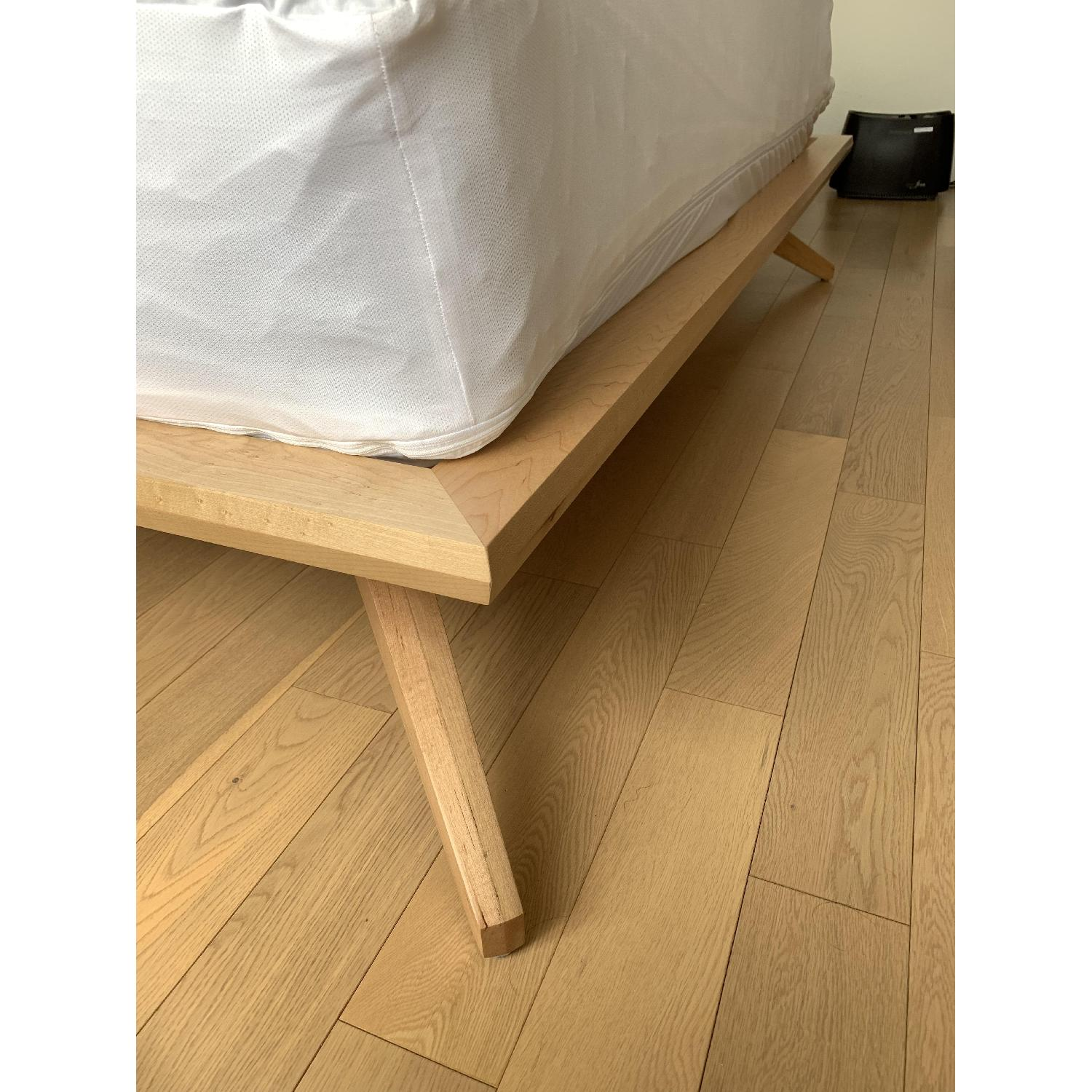 Copeland Natural Maple Astrid Collection King Platform Bed-5
