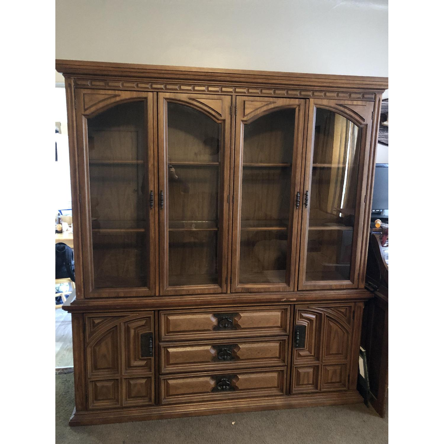 Bassett Furniture Industries Lighted China Cabinet-0