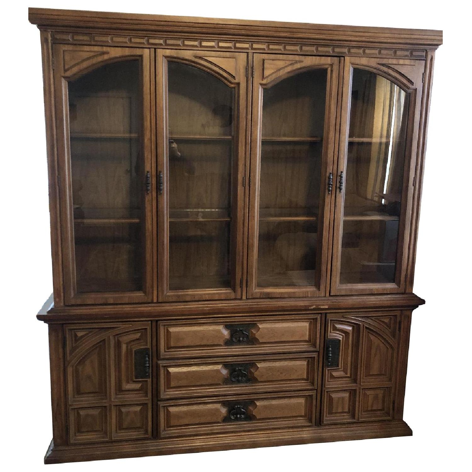Bassett Furniture Industries Lighted China Cabinet