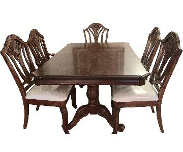 Johnson Brothers Chippendale Style Dining Table w/ 6 Chairs