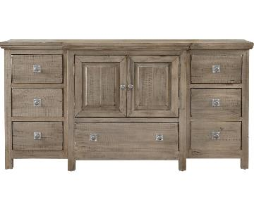 Rooms to Go Summer Grove Dresser