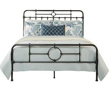 Rooms to Go Summer Grove Queen Bed