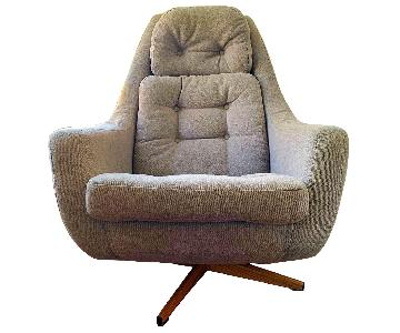 Vintage Mid Century Modern Swivel Chair