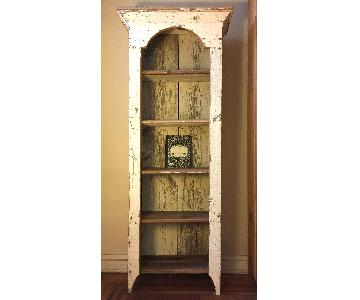 Rustic Cottage-Style Bookshelf