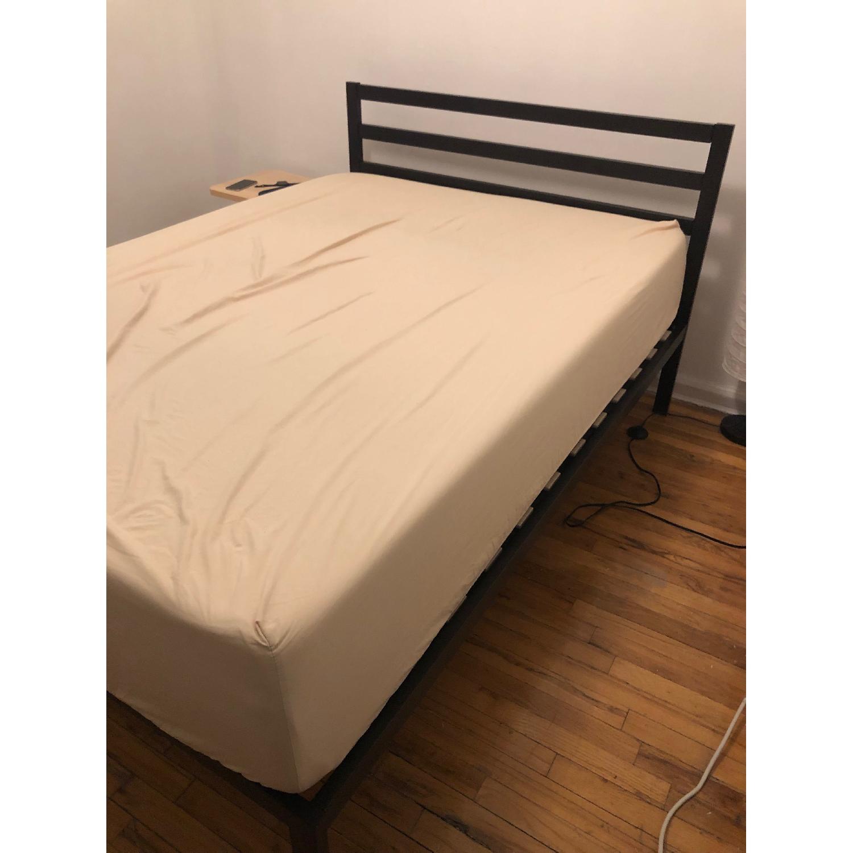 Zinus Mia Modern Full Size 14 Inch Platform Metal Bed