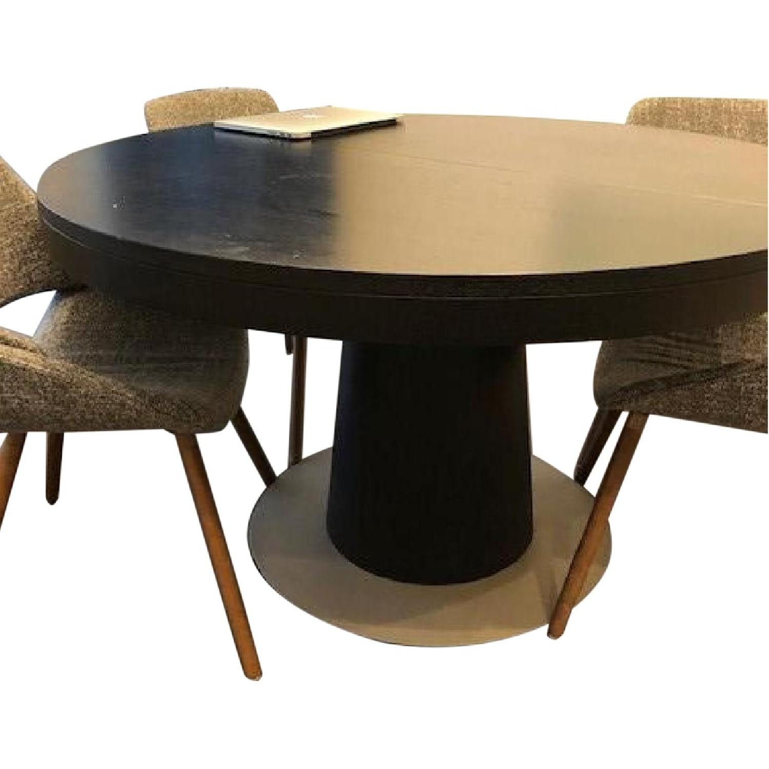 BoConcept Granada Extendable Table w/ 5 Chairs - image-0