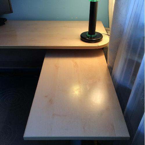 Used Gautier Furniture Computer Table w/ Pull Out Work Table for sale on AptDeco