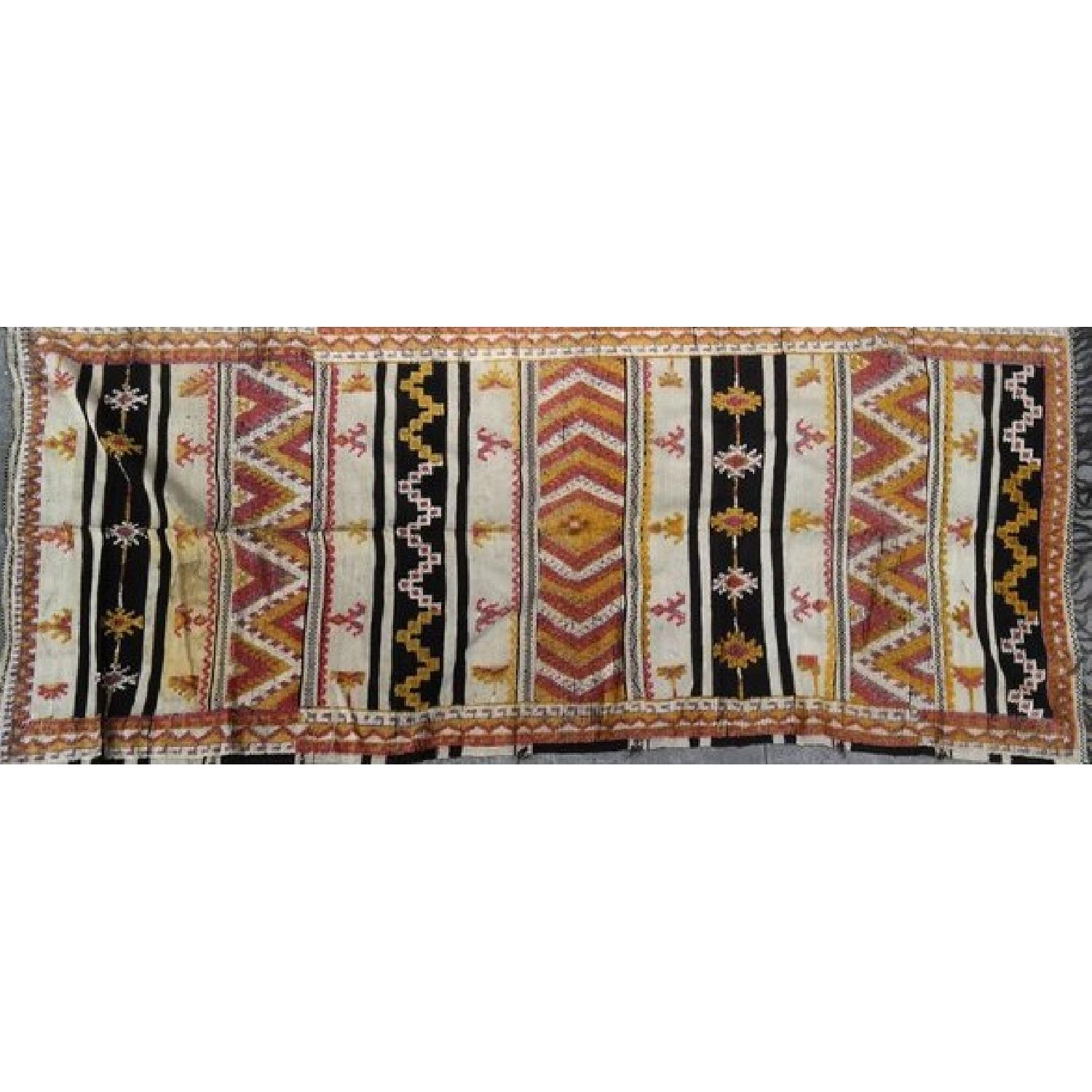 Mid century vintage handwoven morcocan rug kilim aptdeco for Decor international handwoven rugs