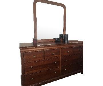 Stanley Bedroom Dresser w/ Mirror