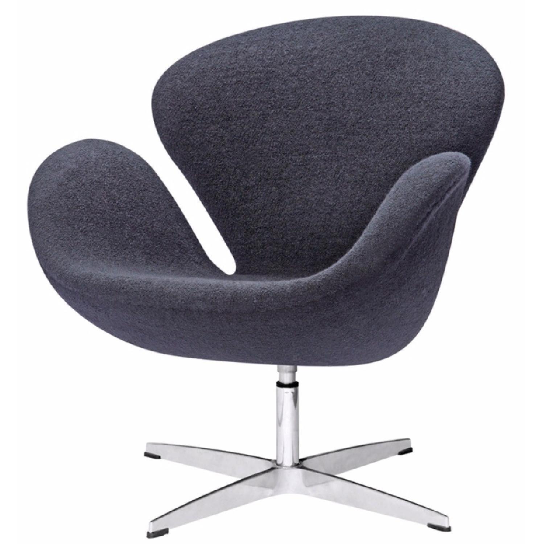 Arne Jacobsen Swan Chair Replica - image-1