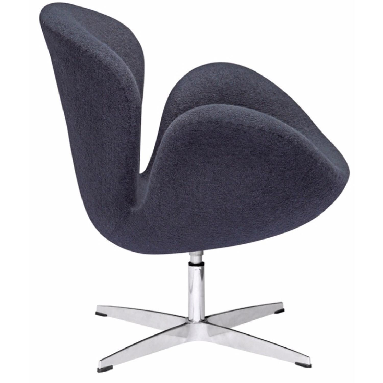 Arne Jacobsen Swan Chair Replica - image-2