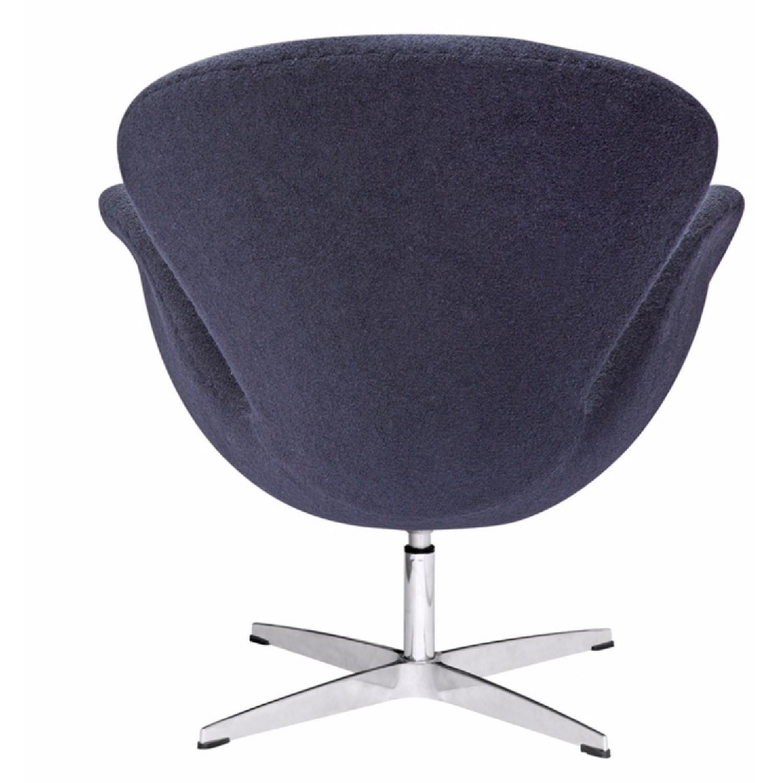 Arne Jacobsen Swan Chair Replica - image-3