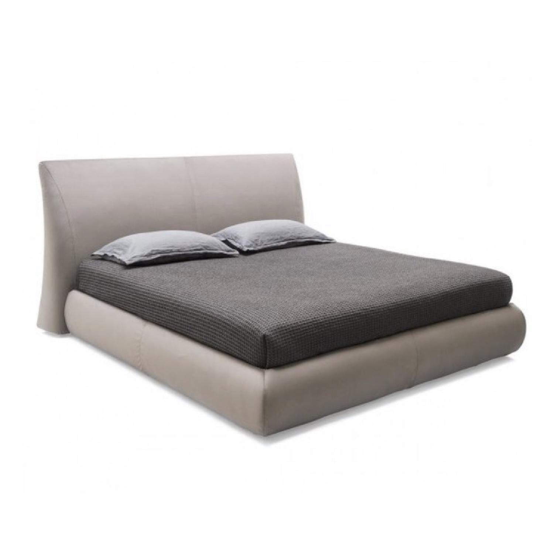 Calligaris Michigan Queen Bed