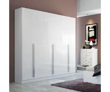 Wade Logan Modern White Wardrobe