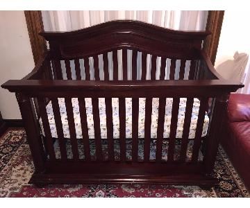 Toys R Us Baby Cache Heritage Convertible Crib in Cherry