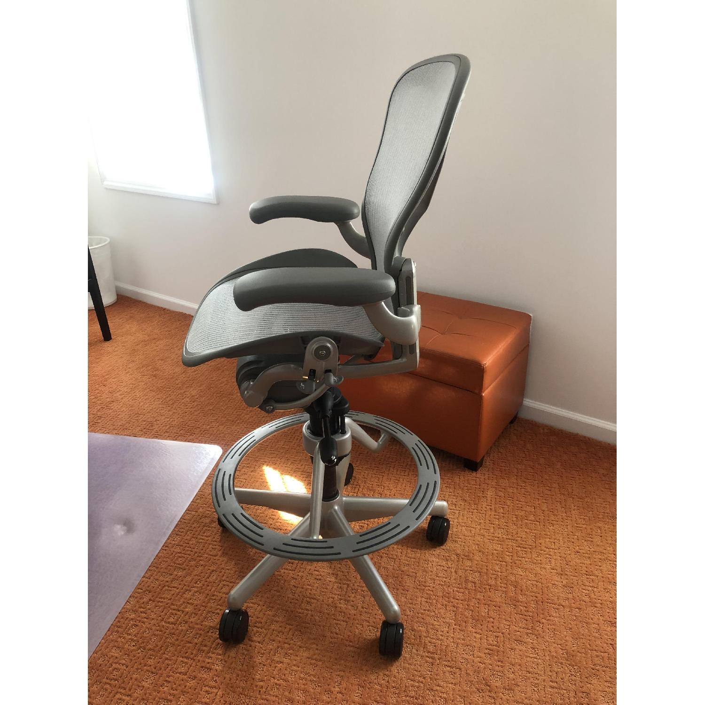 Herman Miller Aeron Stool Chair-3