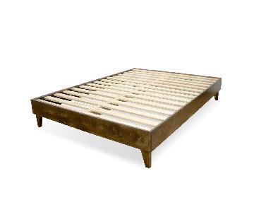 eLuxurySupply American Pine Wood Queen Bed Frame