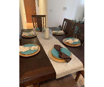 Bob's 7-Piece Expandable Dining Set