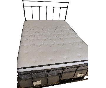 Macy's Modern Style Queen Size Lift-Up Storage Platform Bed