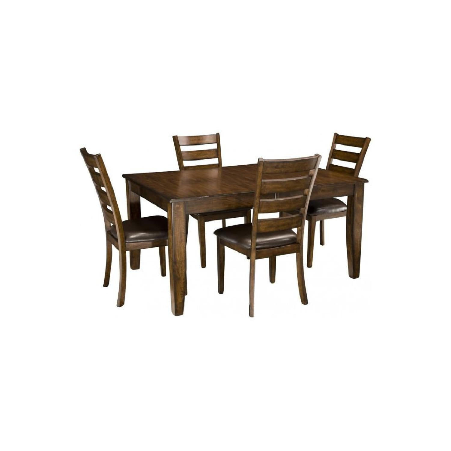 Raymour & Flanigan Kona 5-Piece Dining Set