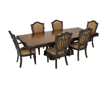 Raymour & Flanigan Bellanest 7 Piece Expandable Dining Set
