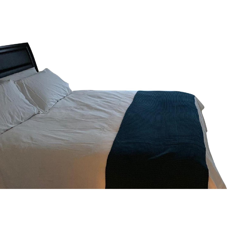 Modern Upholstered King Size Lift-Up Storage Platform Bed