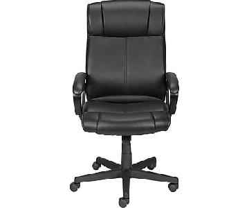 Staples Black Executive Chair w/ Adjustable Seat Height