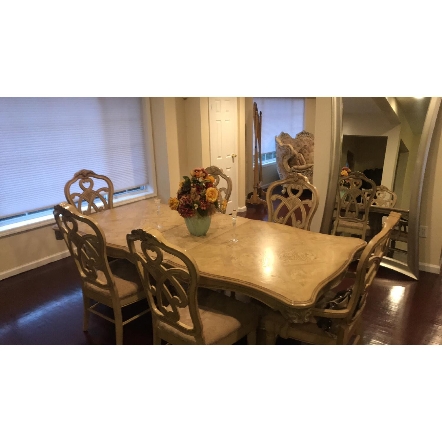 French Style Expandable Dining Table w/ 6 Chairs