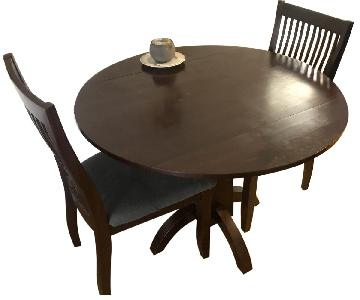 Raymour & Flanigan Dining Table w/ 2 Chairs