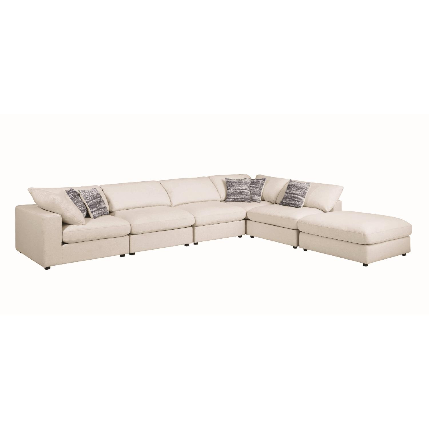 Modern Daybed w/ Trundle Upholstered in Light Grey Fabric - image-7