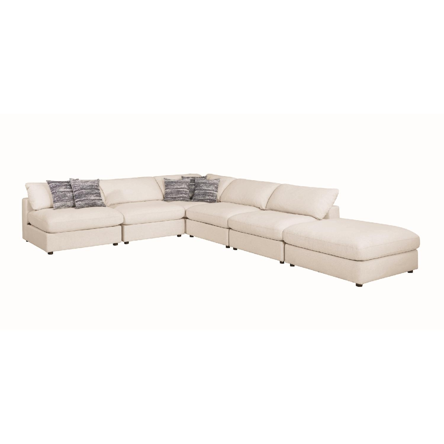 Modern Daybed w/ Trundle Upholstered in Light Grey Fabric - image-9