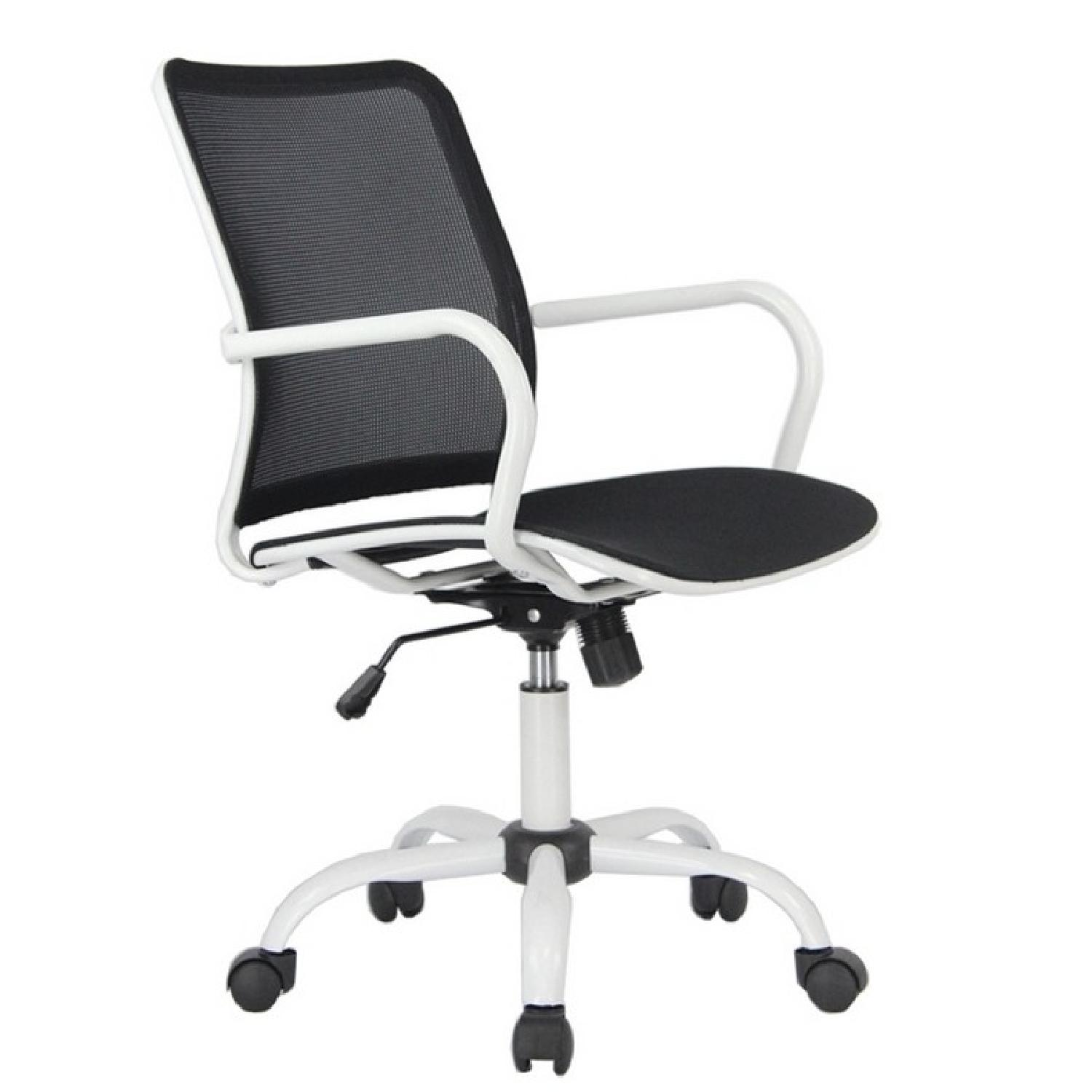 White Metal Frame Modern Office Chair w/ Black Mesh Seat & B