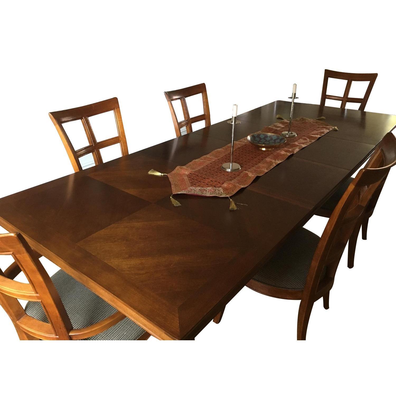Stanley Furniture 7 Piece Expandable Dining Room Set Aptdeco
