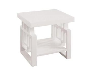 Traditional Style Glossy White End Table