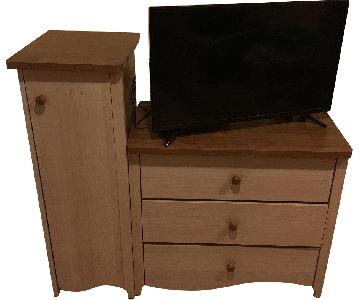 Pine Wood Dresser w/ Cabinet