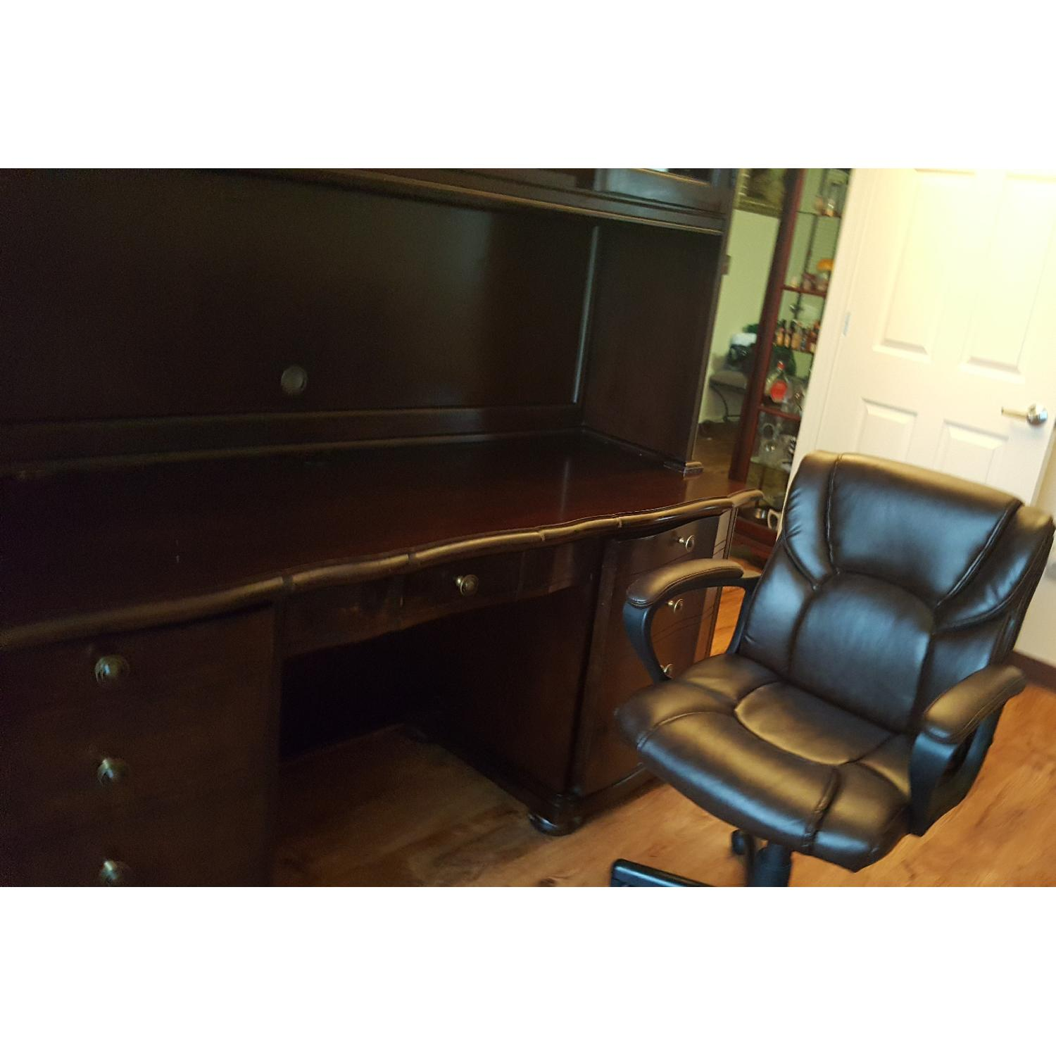 Raymour & Flanigan Desk & Hutch - image-14